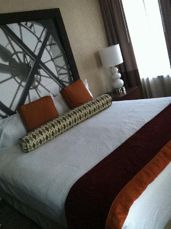 Bally's Atlantic City: Loved the bed, super comfy!