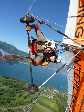 Hang Gliding Interlaken : Roll in the sky