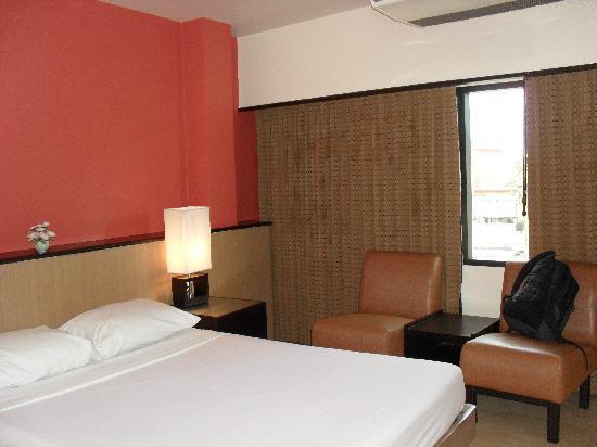 Rose Hotel: la habitacion