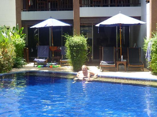 ซันวิง บางเทา บีช: Our room from the pool