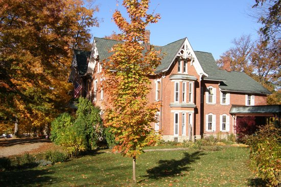 Brookside Manor Bed and Breakfast: Victorian Manor circa 1875 on 5.5 acres