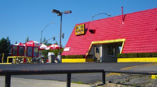 Route 66 Dog House: Dog House