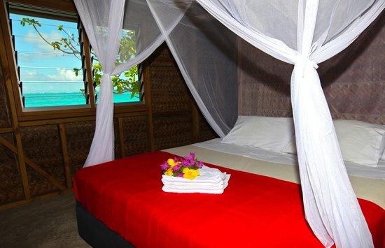 Matafonua Lodge: Fale Inside