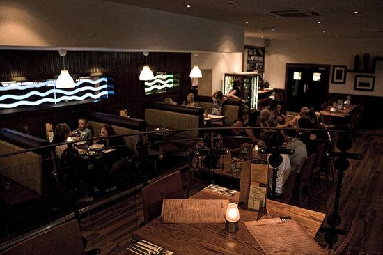 Oscars Bar and Grill