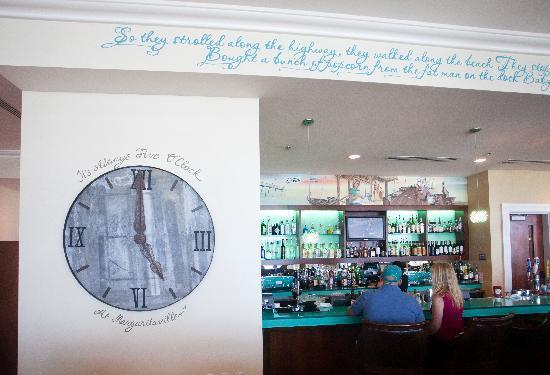 Frank and Lola Love Pensacola Cafe : Bar Area