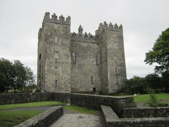 Bunratty Woods Country House: Bunratty Castle