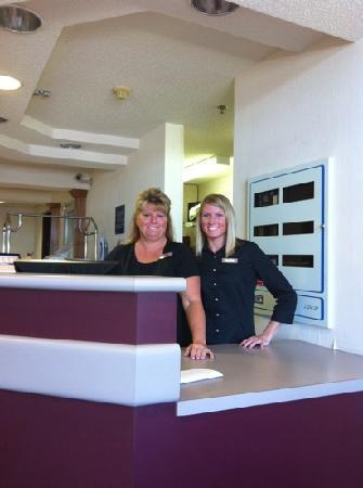Microtel Inn & Suites by Wyndham Bowling Green: Melissa and Jessie, our great staff!