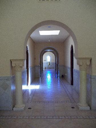Radisson Blu Ulysse Resort & Thalasso Djerba: entrée de la thalasso
