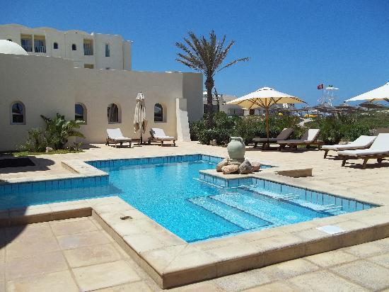 Radisson Blu Ulysse Resort & Thalasso Djerba: piscine de la thalasso