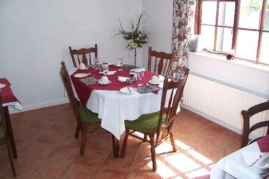 Dunboy Bed & Breakfast: Dining room