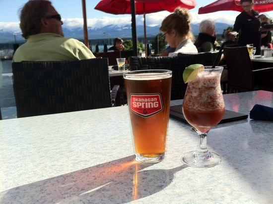Blackfin Pub : good food & service with a great view