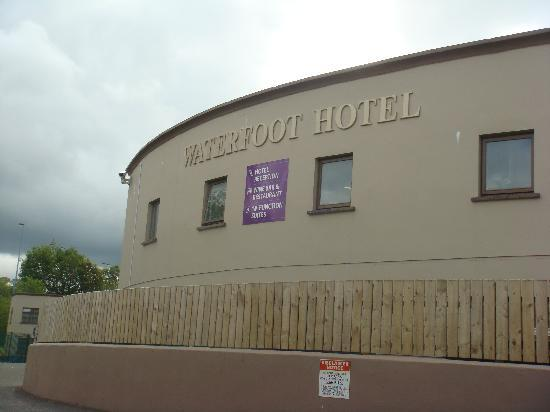 Waterfoot Hotel: outside hotel