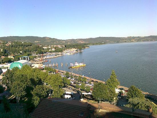 La Vela : meravigliso panorama del lago dalla torre medioevale