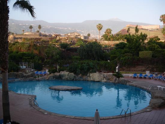 diverhotel Tenerife Spa & Garden: Vista desde el comedor