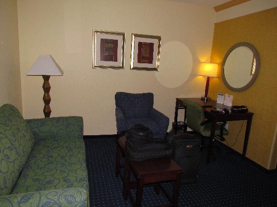 SpringHill Suites Lexington Near the University of Kentucky : Sitting Room