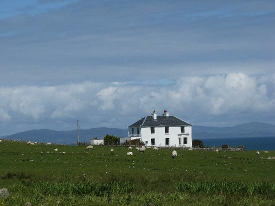 Νήσος Μαλ, UK: Scene on Isle of Mull from the grounds of the Abbey