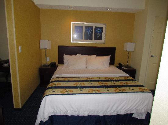 SpringHill Suites Lexington Near the University of Kentucky : Bed