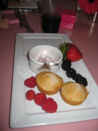 American Girl Bistro: $16.50 Yogurt and Fruit Starter