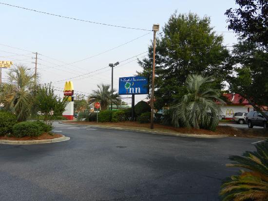نورث شارلستون إن: North Charleston Inn - June 2011