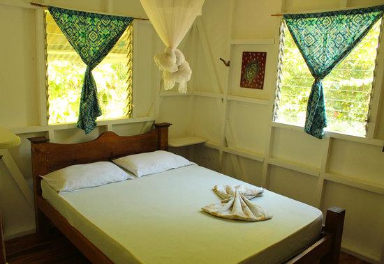 Caza Olas Hotel & Hostel