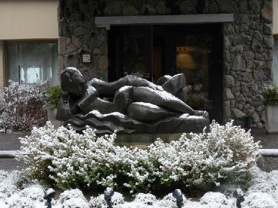 El Casco Art Hotel: First Snow of the season. June 28th 2011