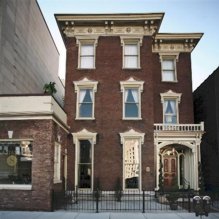 The Standard: 1840s historic mansion in Downtown