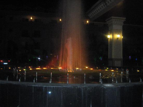 Alva Donna Exclusive Hotel & Spa: front water fountain
