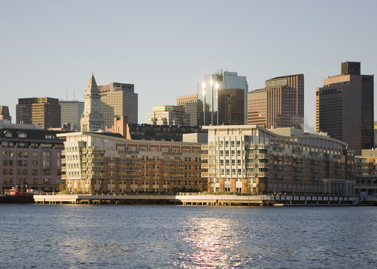 Battery Wharf Hotel, Boston Waterfront: Battery Wharf from Water