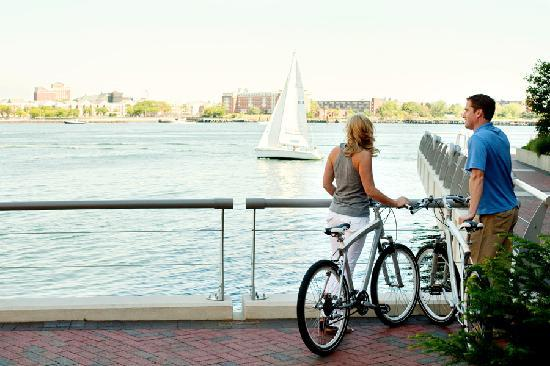 Battery Wharf Hotel, Boston Waterfront: BMW Bicycle use for our guests