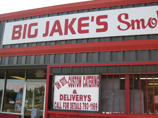 Big Jake's Smokehouse: Entrance
