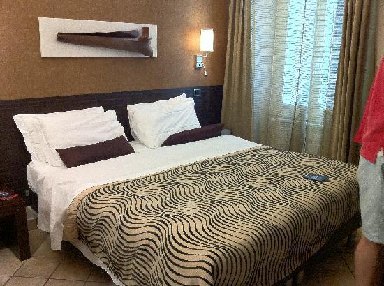 Daphne Trevi: Bedroom