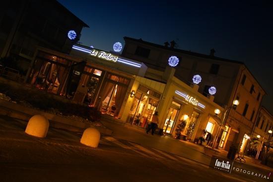 San Vincenzo, İtalya: Gelateria bar La Fontana