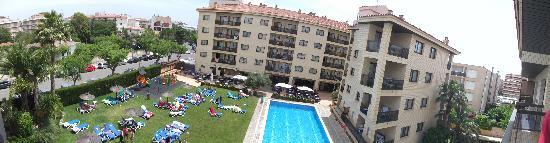 Aparthotel Olimar II: panoramic view from balcony