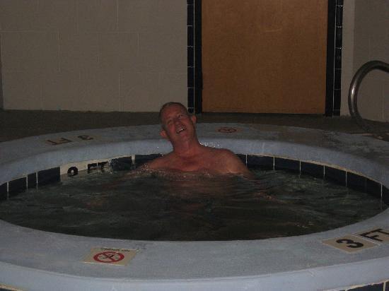 BEST WESTERN PLUS Richmond Hill Inn: Indoor Salt Water pool.