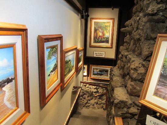 Kula Lodge: The Gallery