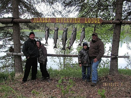 Alaska Riverview Lodge: Salmon Fishing