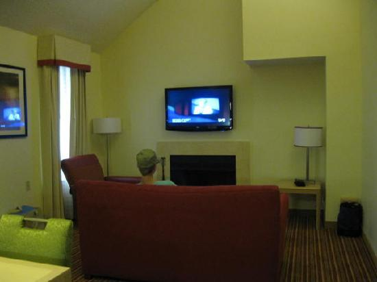 Residence Inn by Marriott Boca Raton: Living area with pull out sofa