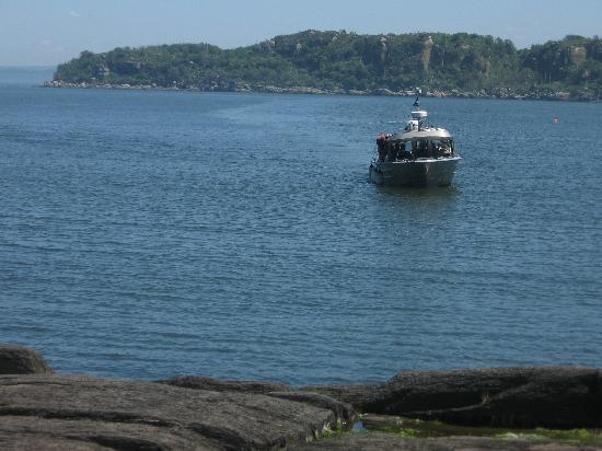 Le bateau qui mène à l'île aux Lièvres