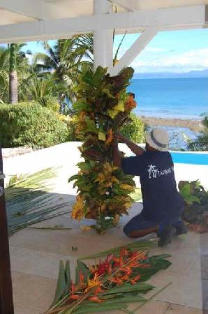 Taveuni Palms Resort: The entire staff prepared the villa for the wedding.