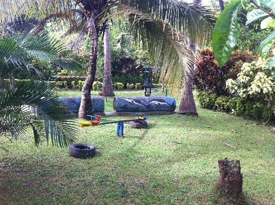 Medewi Beach Cottages: Kids playground