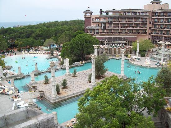 Xanadu Resort Hotel: two of the pools