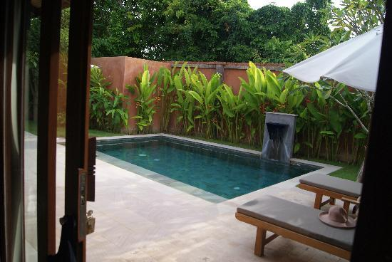 Alanta Villa: Pool from bedroom 1