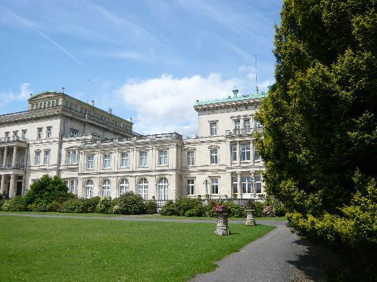 Villa Huegel : Villa Hügel - nochmals Südseite