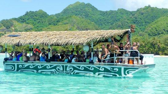 Muri, جزر كوك: Boatload of fun