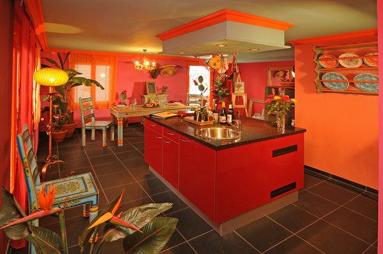 Zeit & Traum Hotel: Kochinsel_im_Cucina_erotica
