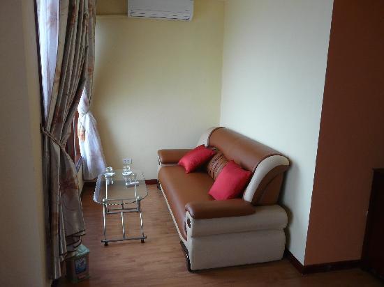 Sapa Elegance Hotel: the lounge area