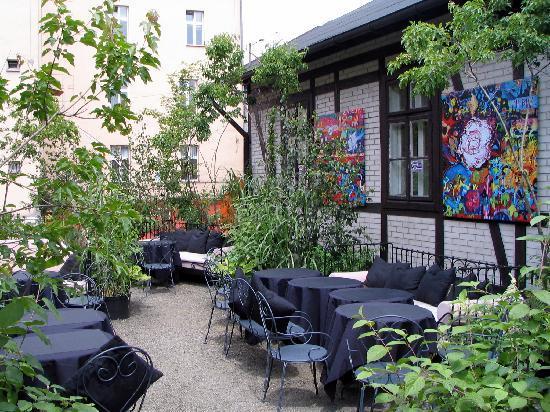 Studio Qulinarne: Outside terrace