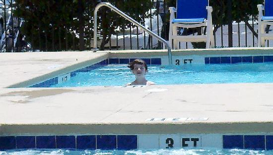 Aqua Beach Inn: MY NEPHEW IN THE POOL!