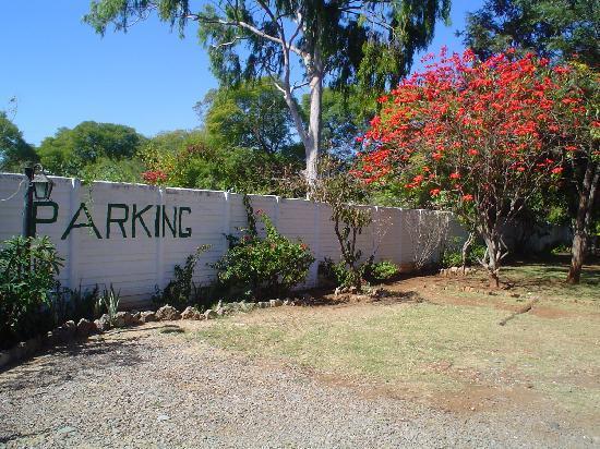 Garda Lodge : parking