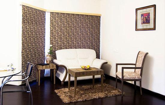 Oriental Residency: getlstd_property_photo
